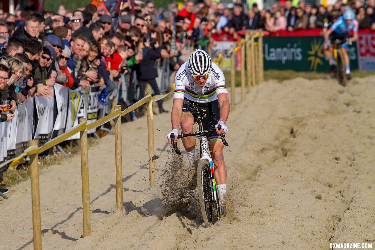Van der Poel rode the sand to another Superprestige victory. 2019 Telenet Superprestige Noordzeecross Middelkerke. Elite Men. © B. Hazen / Cyclocross Magazine