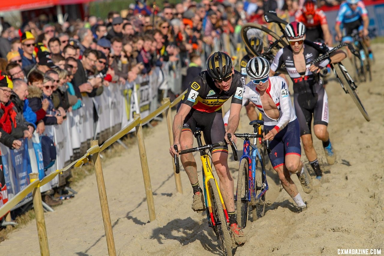 Belgian champ Aerts leads Pidcock. 2019 Telenet Superprestige Noordzeecross Middelkerke. Elite Men. © B. Hazen / Cyclocross Magazine