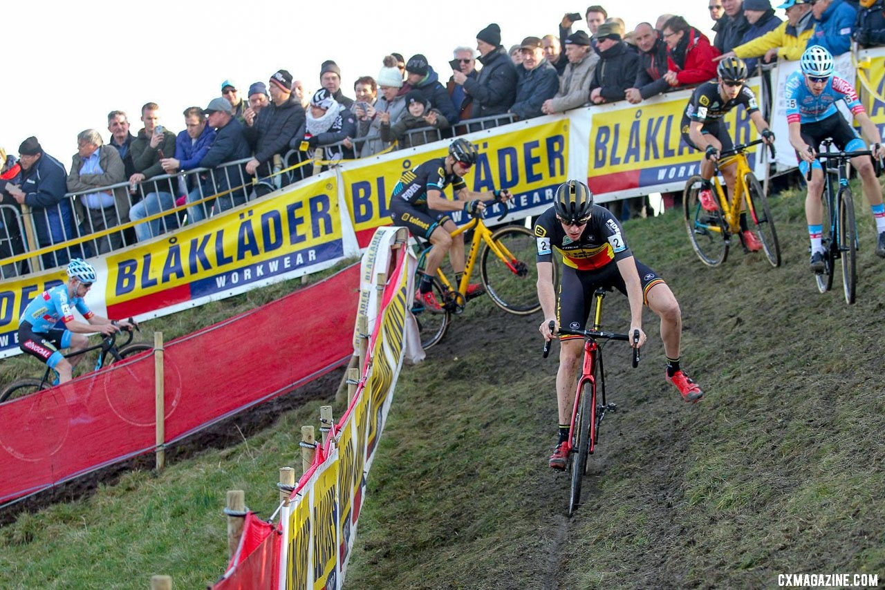 The off-camber presented challenges to riders all day. 2019 Telenet Superprestige Noordzeecross Middelkerke. Elite Men. © B. Hazen / Cyclocross Magazine