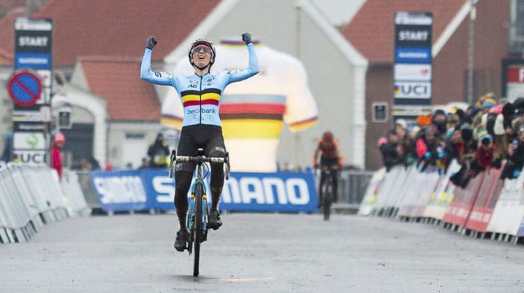 Sanne Cant wins her third world title. 2019 Cyclocross World Championships, Bogense, Denmark. © K. Keeler / Cyclocross Magazine
