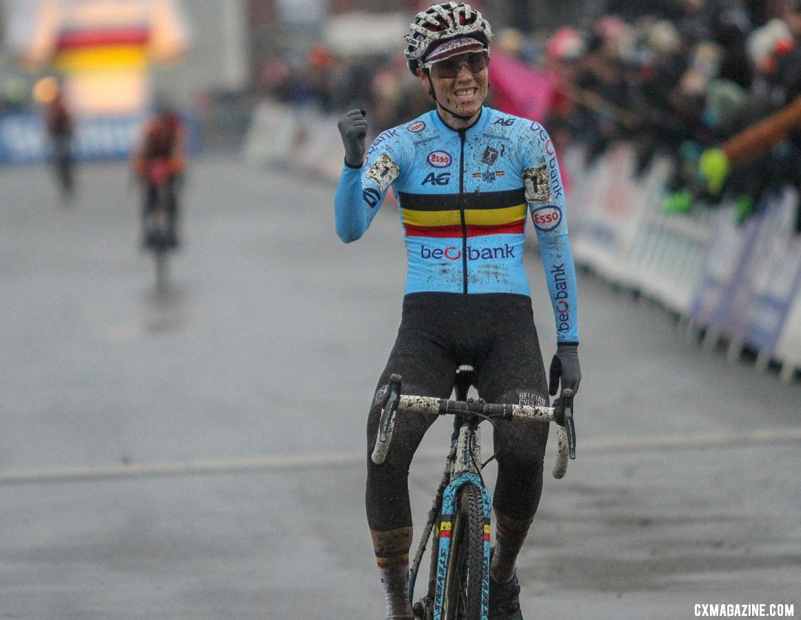 Sanne Cant was brilliant at Worlds. 2019 Cyclocross World Championships, Bogense, Denmark. © B. Hazen / Cyclocross Magazine