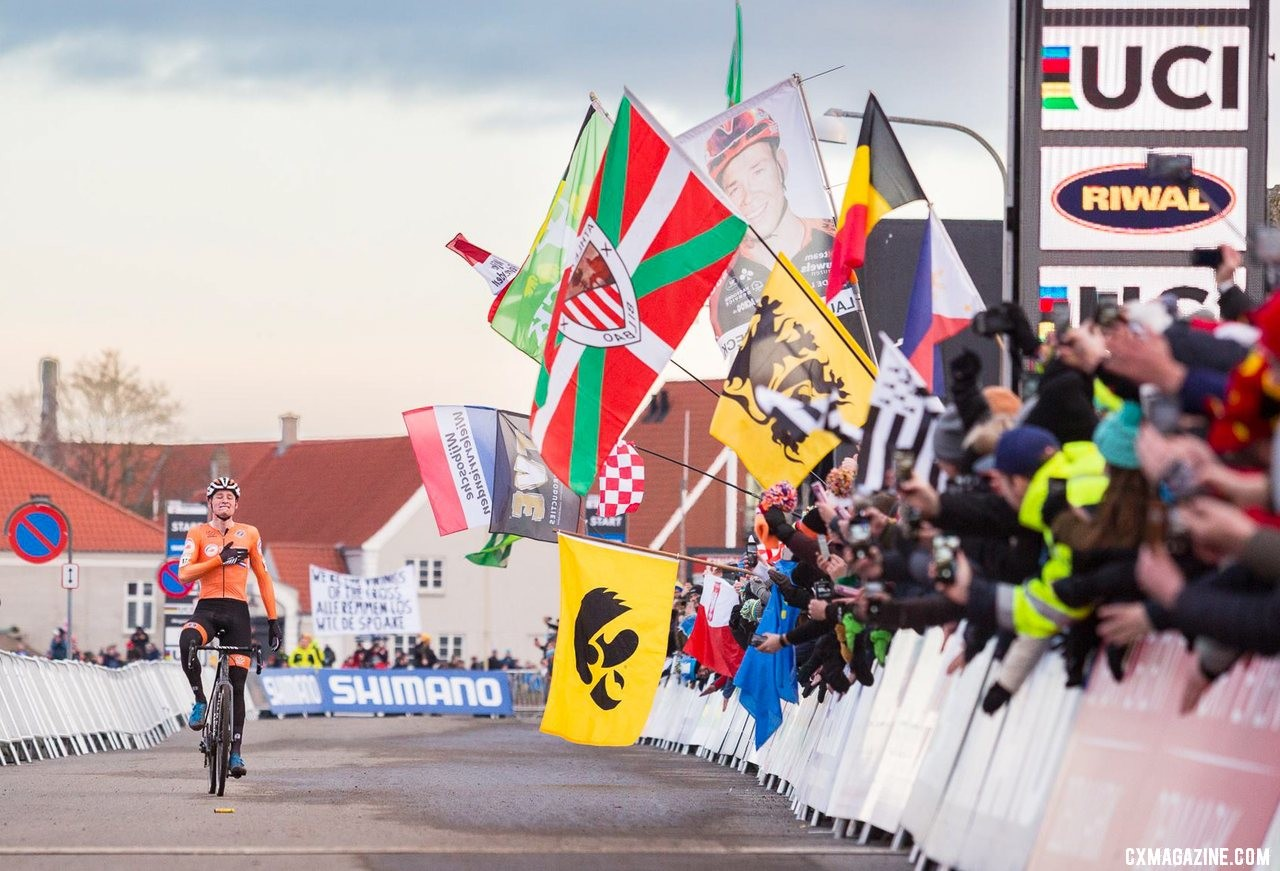 Mathieu van der Poel caps a dominant season with a rainbow jersey. 2019 Cyclocross World Championships, Bogense, Denmark. © K. Keeler / Cyclocross Magazine