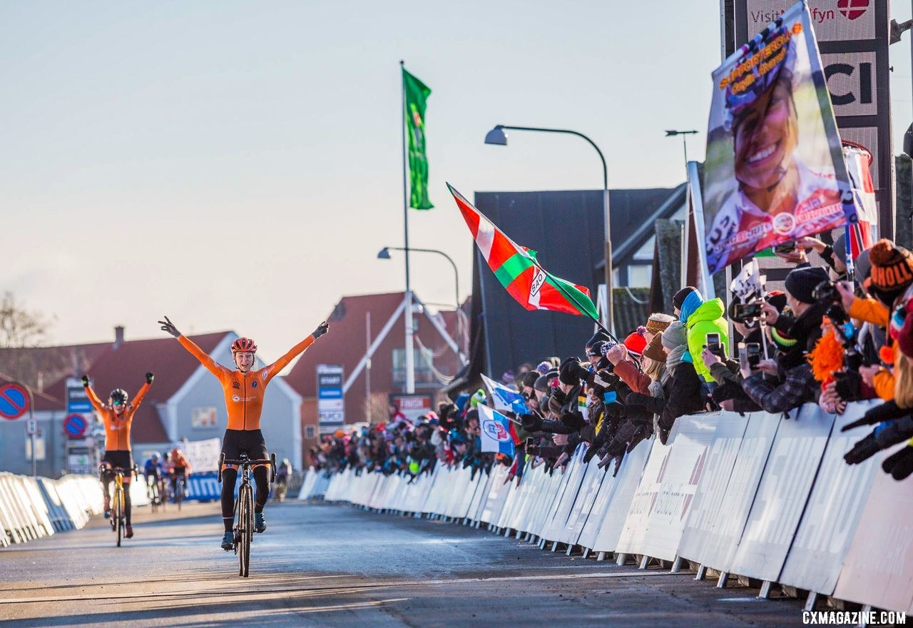 The Dutch dominate the U23 Women's race. 2019 Cyclocross World Championships, Bogense, Denmark. © K. Keeler / Cyclocross Magazine
