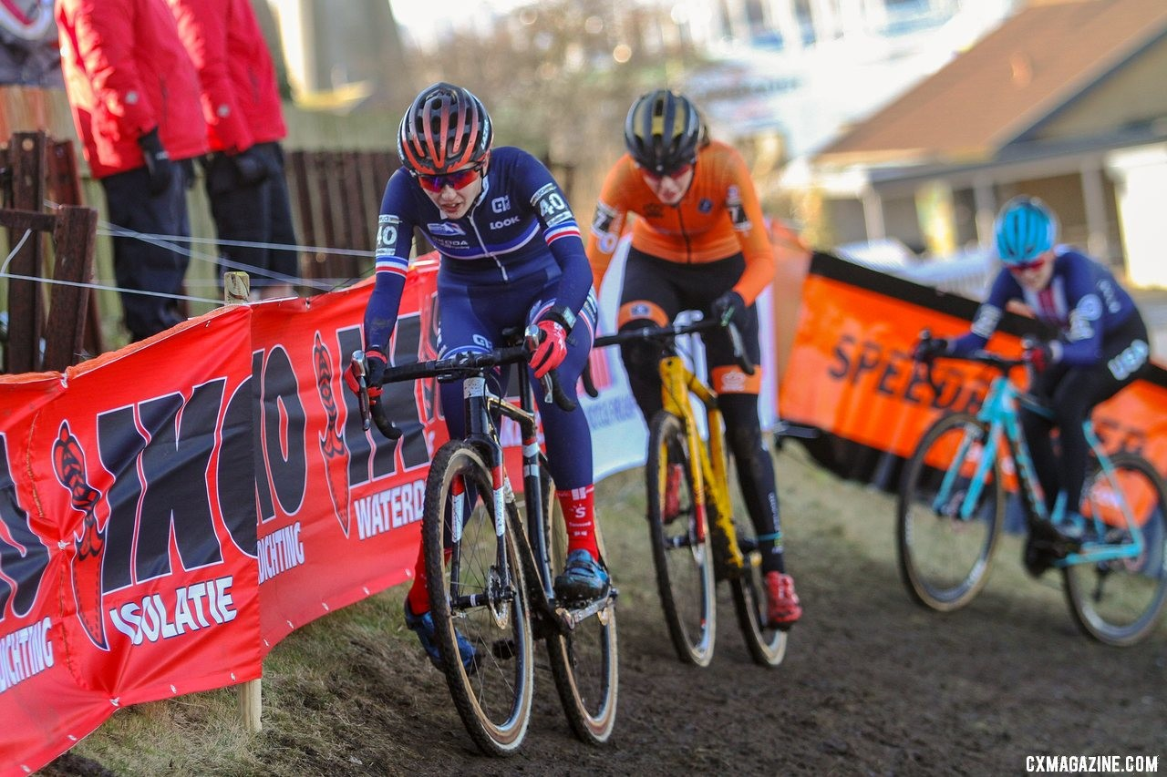 Juliette Labous of France hangs on to the lead group. U23 Women, 2019 Cyclocross World Championships, Bogense, Denmark. © B. Hazen / Cyclocross Magazine
