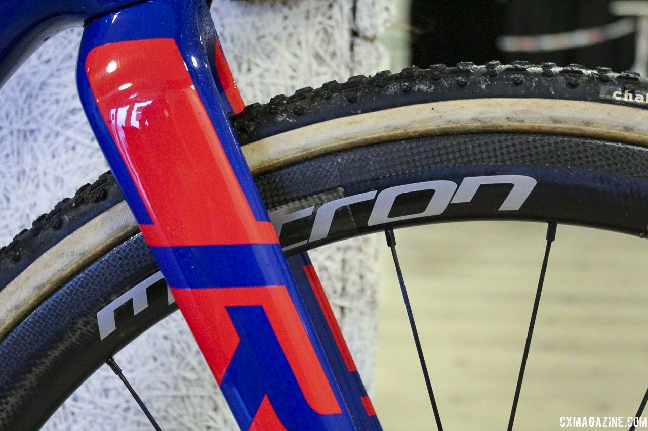 Pidcock ran Vision Metreon 40 SL Disc tubulars with Challenge Grifo tires. Tom Pidcock's 2019 World Championships S-Works CruX. © Z. Schuster / Cyclocross Magazine