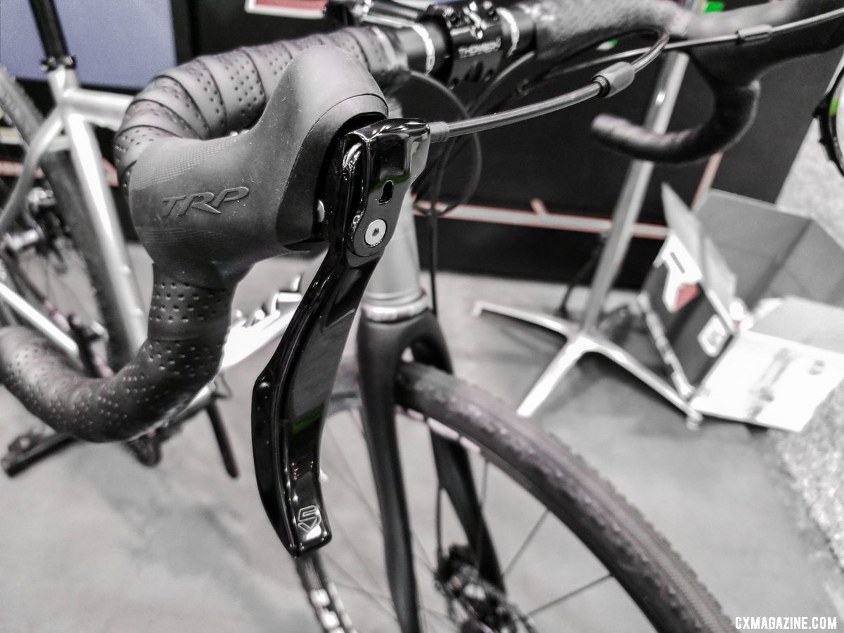 Cinq's Shift-R lever for the Pinion drivetrain. The company is trying to raise funds on Kickstarter to bring it to production. 2019 NAHBS Sacramento. © A. Yee / Cyclocross Magazine
