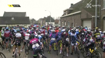 The entire Elite Women's peloton was halted in Sint-Denijs-Boekel for nearly 10 minutes. photo: Proximus Sports live stream