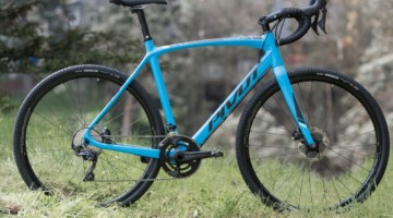 Pivot Vault Cyclocross/Gravel Bike. © C. Lee / Cyclocross Magazine