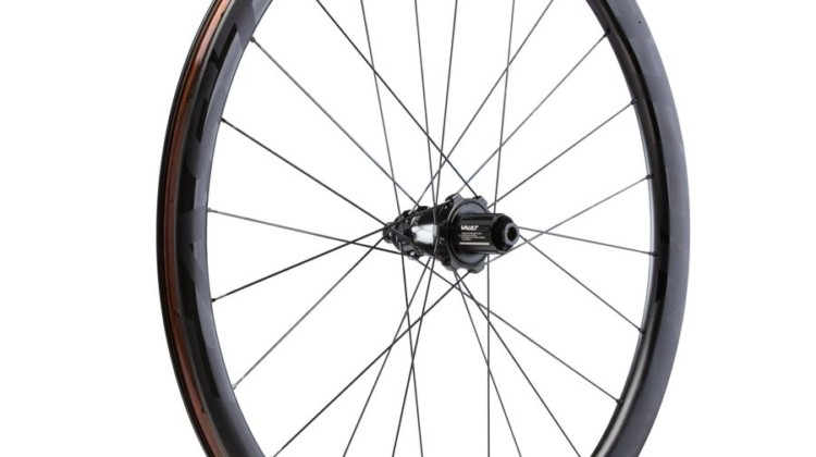 Easton's EC90 SL tubeless disc clincher with the Pivot hub