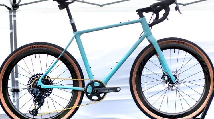 """The Vielo V+1 UD carbon gravel bike boasts an ultralight 790g frame, clean lines, and clearance for 700cx42mm or 650bx2"""" tires without a dropped chainstay. 2019 Sea Otter Classic. © A. Yee / Cyclocross Magazine"""