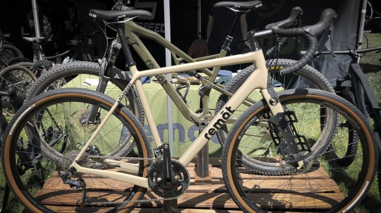 American Bicycle Group's new Remōt offers the Baseline and Boundary models, each with three different builds. Production models of the Baseline will feature a fork without the mounts. The company's website reveals both models share the same geometry. 2019 Sea Otter Classic. © S. Litvin / Cyclocross Magazine