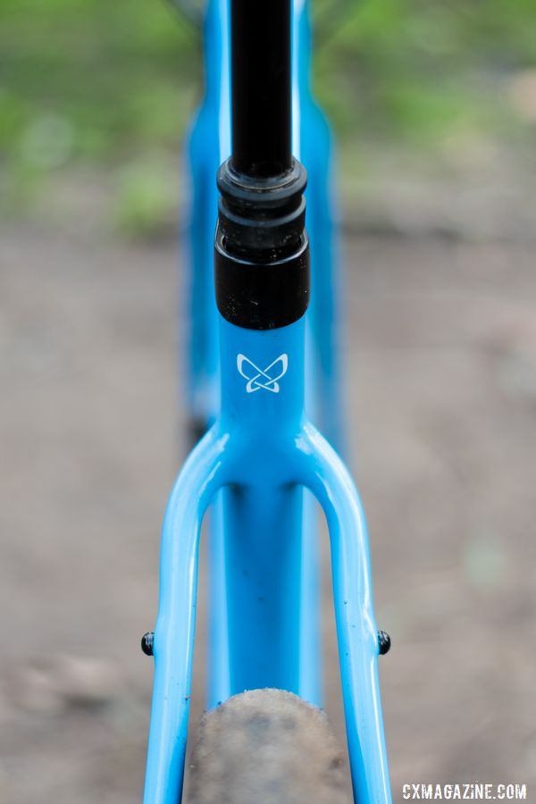 The rear has a bridgeless seatstay. Thesis OB1 Do-It-All Carbon Bike. © C. Lee / Cyclocross Magazine