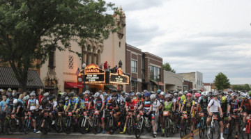 The start line in Emporia awaits. 2018 Dirty Kanza 200. © Z. Schuster / Cyclocross Magazine