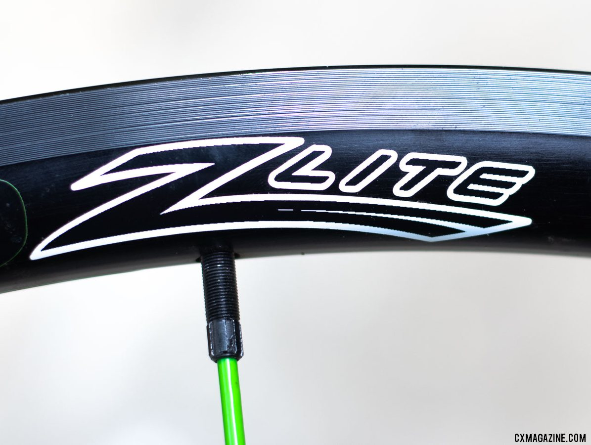 Spinergy's PBO spoke Z Lite Disc wheelset uses the same rim brake rim as the Z Lite, opening up opportunities for use on both rim and disc brake bikes. The spoke end uses a special tool to hold it in place to prevent twisting during truing. © Cyclocross Magazine
