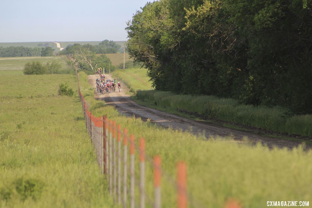 The early big group shrunk from Miles 25 to 40. 2019 Men's Dirty Kanza 200 Gravel Race. © Z. Schuster / Cyclocross Magazine