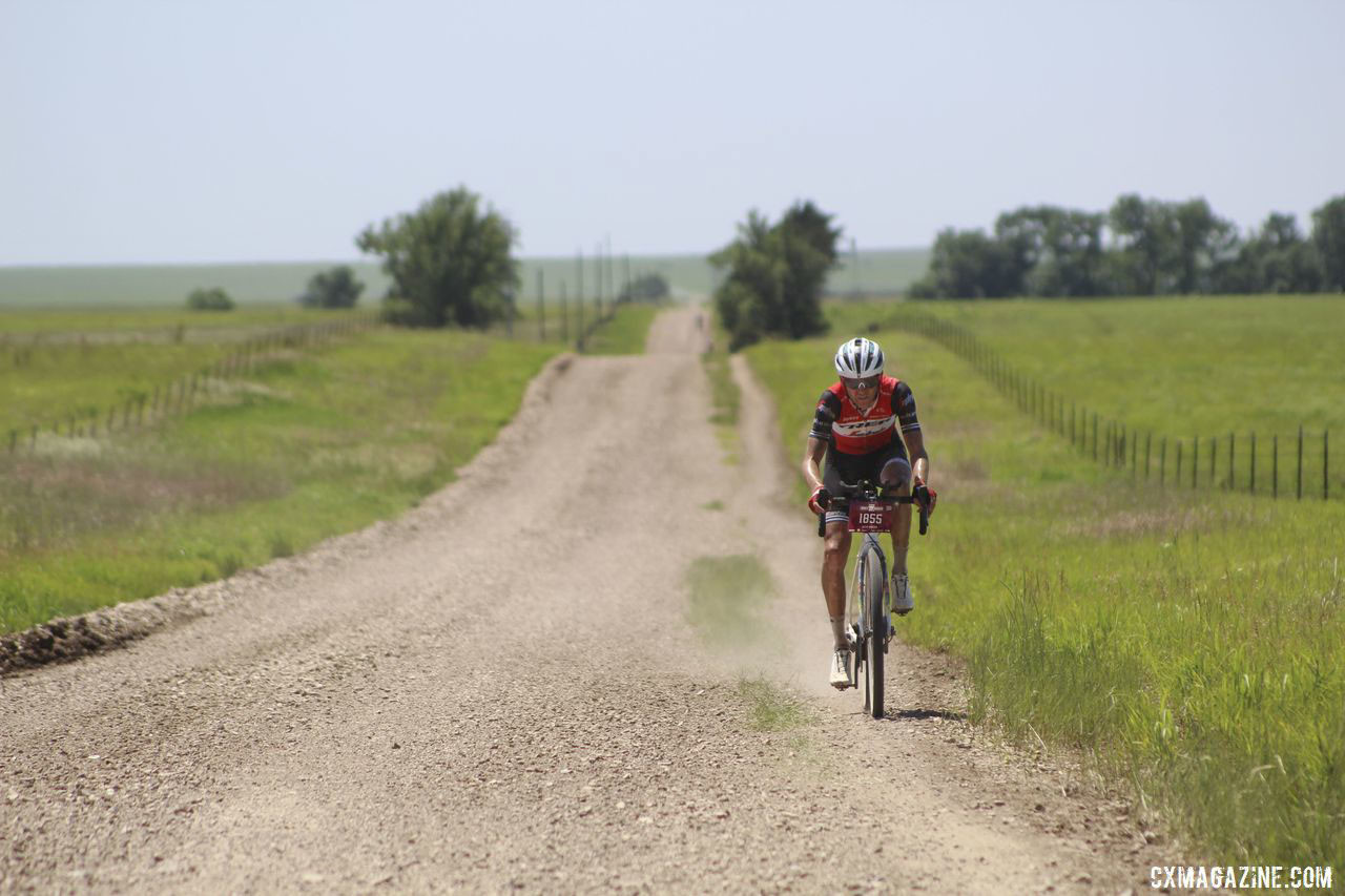 Peter Stetina gave chase of Strickland for the last quarter of the race. 2019 Men's Dirty Kanza 200 Gravel Race. © Z. Schuster / Cyclocross Magazine