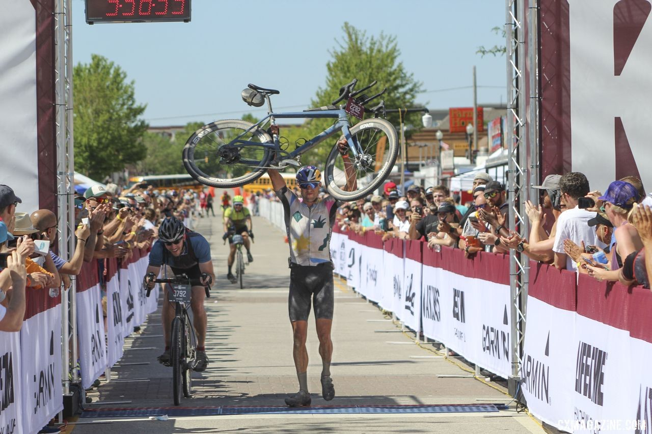 There was room for everyone at the finish. 2019 Men's Dirty Kanza 200 Gravel Race. © Z. Schuster / Cyclocross Magazine