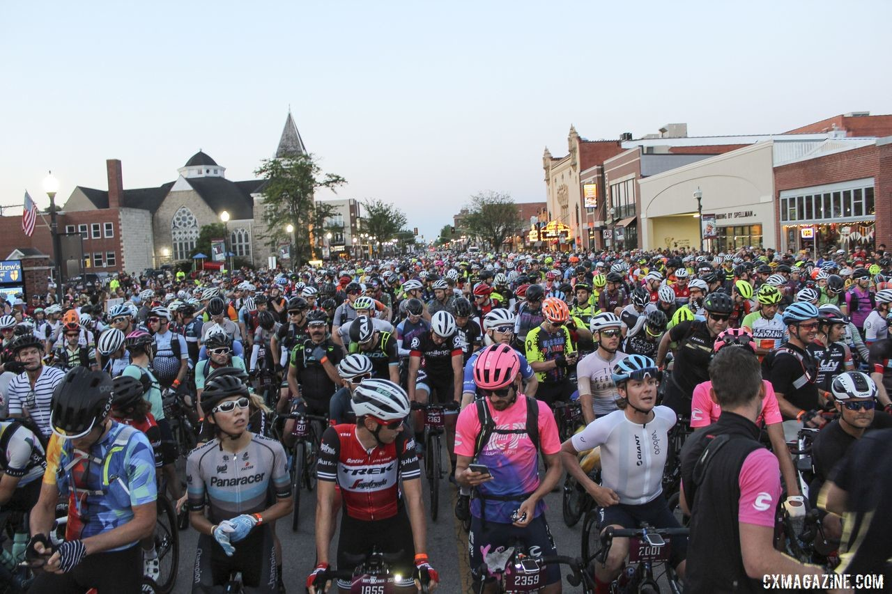 Riders line up for the 2019 DK200. 2019 Men's Dirty Kanza 200 Gravel Race. © Z. Schuster / Cyclocross Magazine