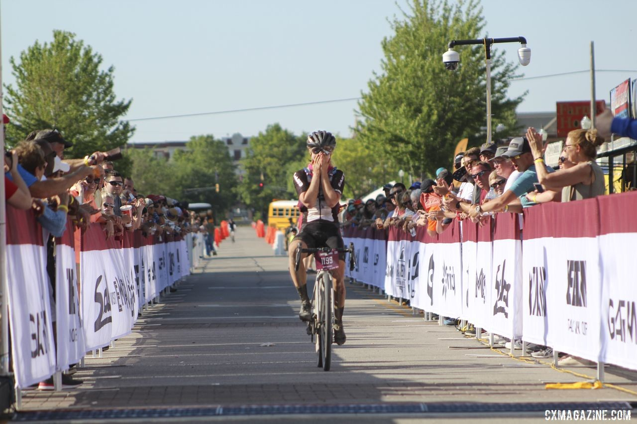 Amity Rockwell helps headline the Oregon Trail Gravel Grinder field. 2019 Open Women Dirty Kanza 200. © Z. Schuster / Cyclocross Magazine