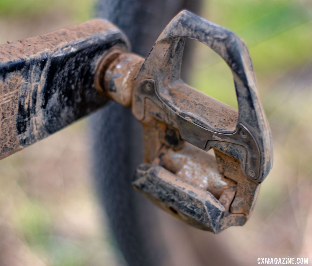 Curiously, Wicks used Dura-Ace R7900 road pedals at Lost and Found. Barry Wicks' 2020 Team Edition Kona LIbre. 2019 Lost and Found gravel race. © A. Yee / Cyclocross Magazine
