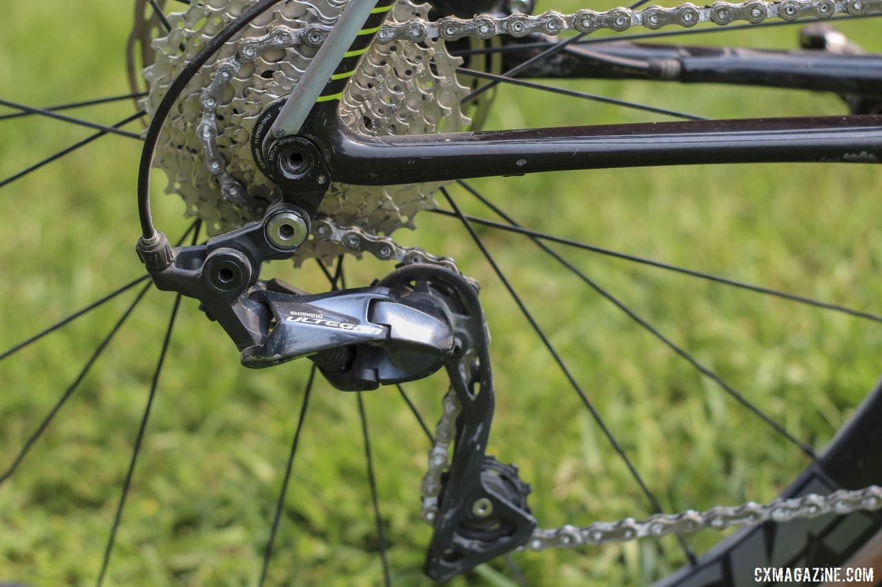 De Crescenzo kept the stock Ultegra R8000 rear derailleur instead of swapping in an RX800 with a clutch. Lauren De Crescenzo's Cannondale SuperX Gravel Bike. © Z. Schuster / Cyclocross Magazine