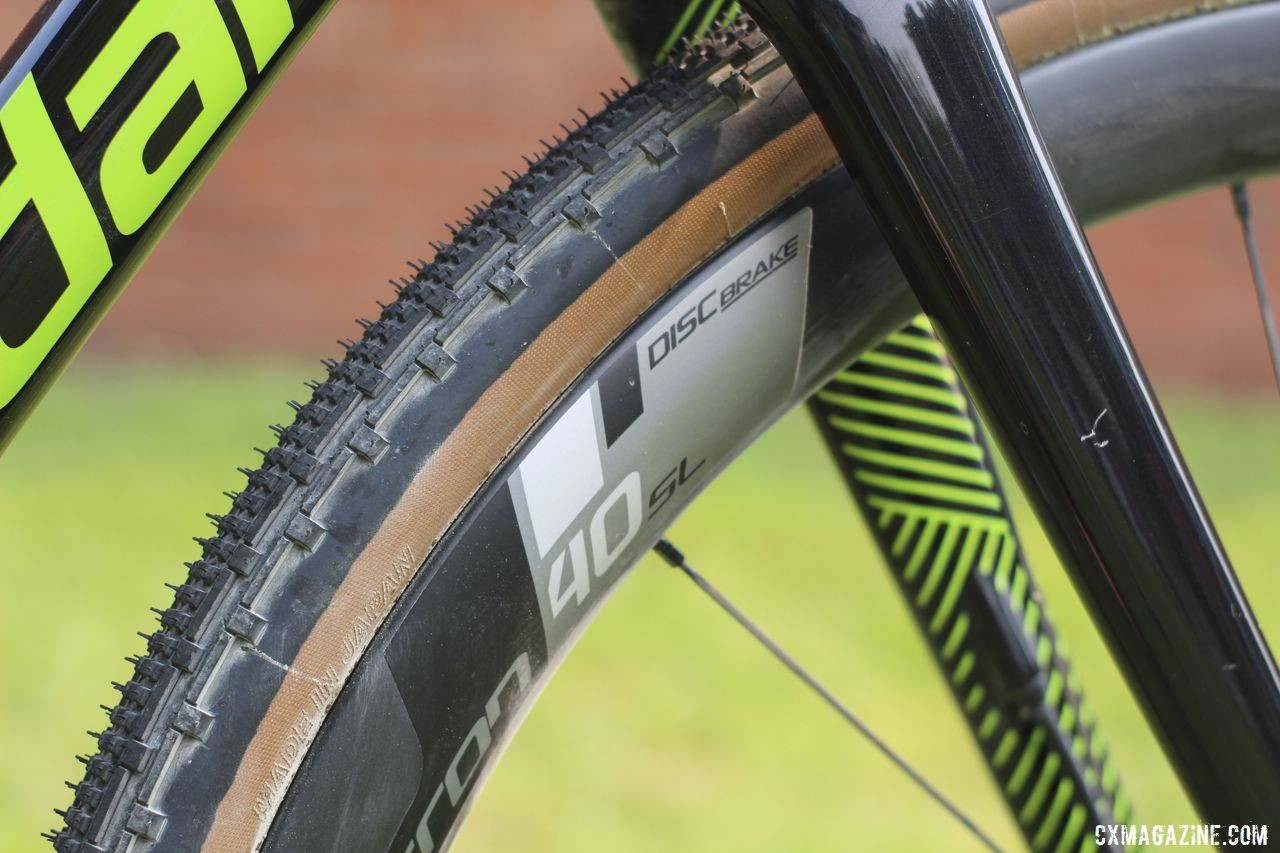 Vision Metron 40 SL Disc wheels upped the aero profile of De Crescenzo's bike. Lauren De Crescenzo's Cannondale SuperX Gravel Bike. © Z. Schuster / Cyclocross Magazine