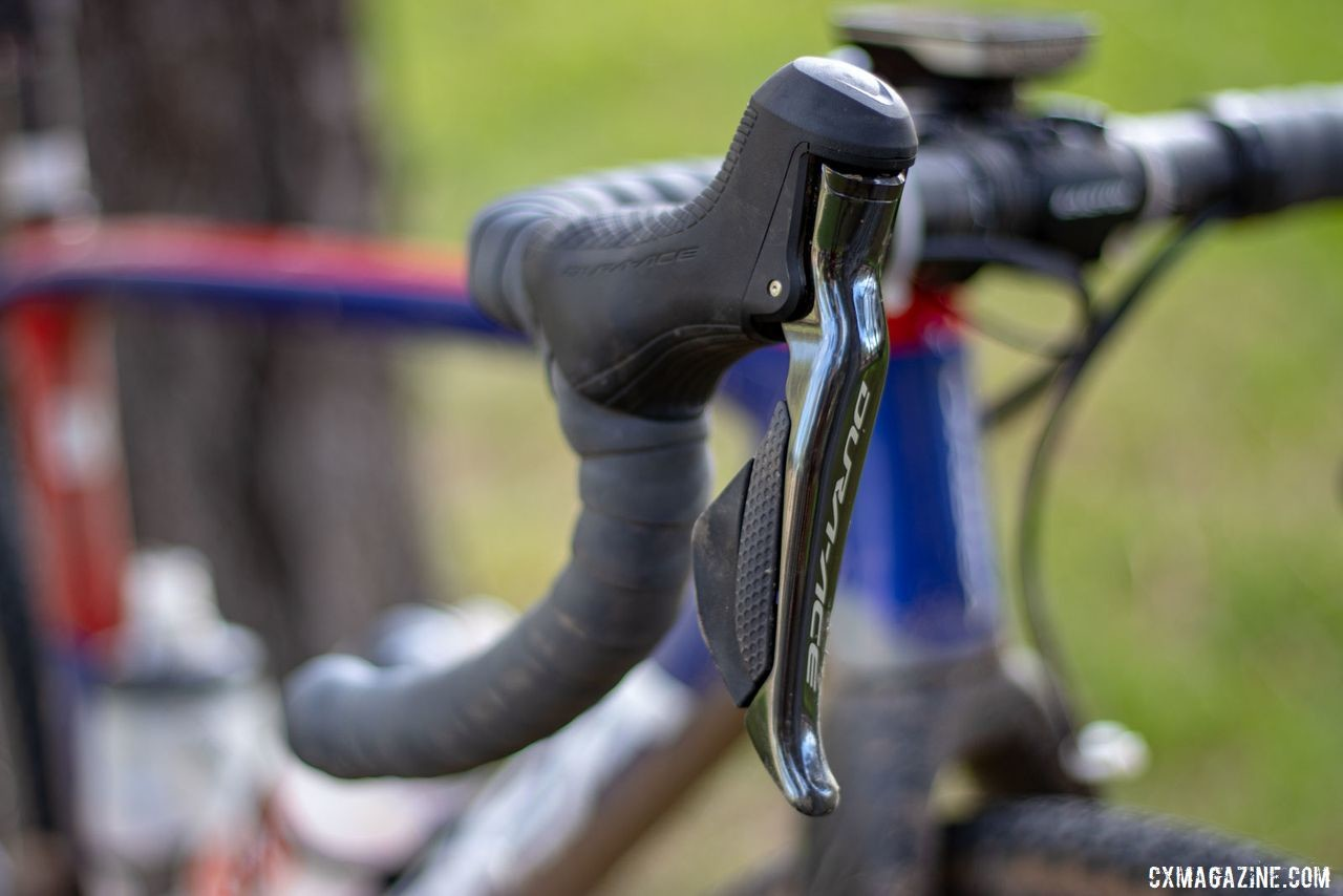R9170 Di2 levers provide shift and brake control. Katerina Nash's 2019 Lost and Found-winning gravel bike. © A. Yee / Cyclocross Magazine