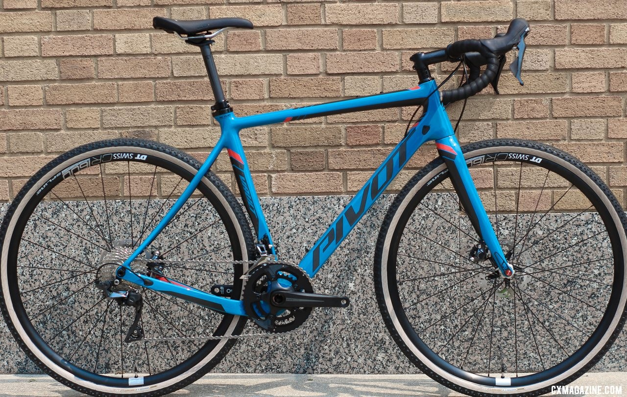 Pivot's all-new versatile Vault cyclocross/gravel bike with a Shimano Pro Ultegra 2x build. © Cyclocross Magazine