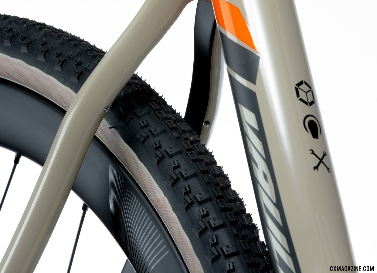 Pivot's all-new versatile Vault cyclocross/gravel bike features hidden fender mounts.