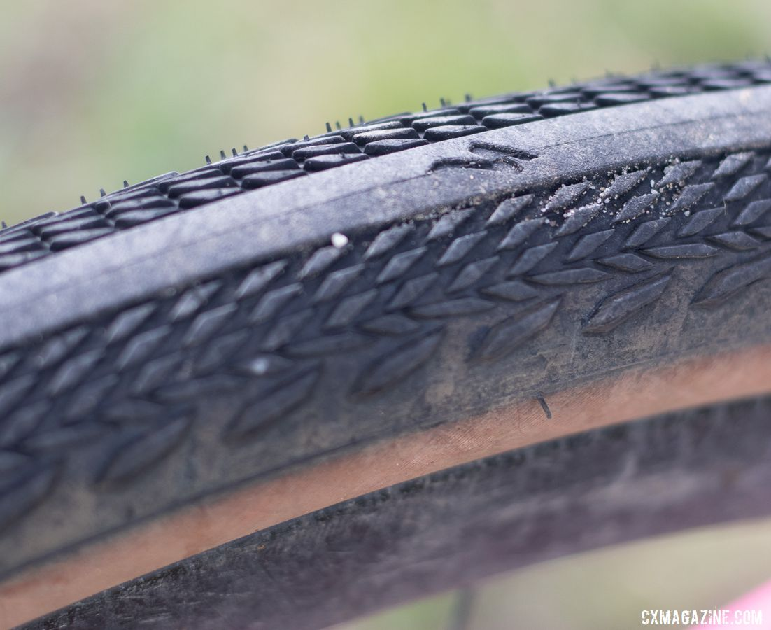 The Pathfinder gravel tire combines a smooth center tread with the shoulder lugs of the Tracer. Sarah Sturm's 2019 Lost and Found Specialized Diverge gravel bike. © A. Yee / Cyclocross Magazine
