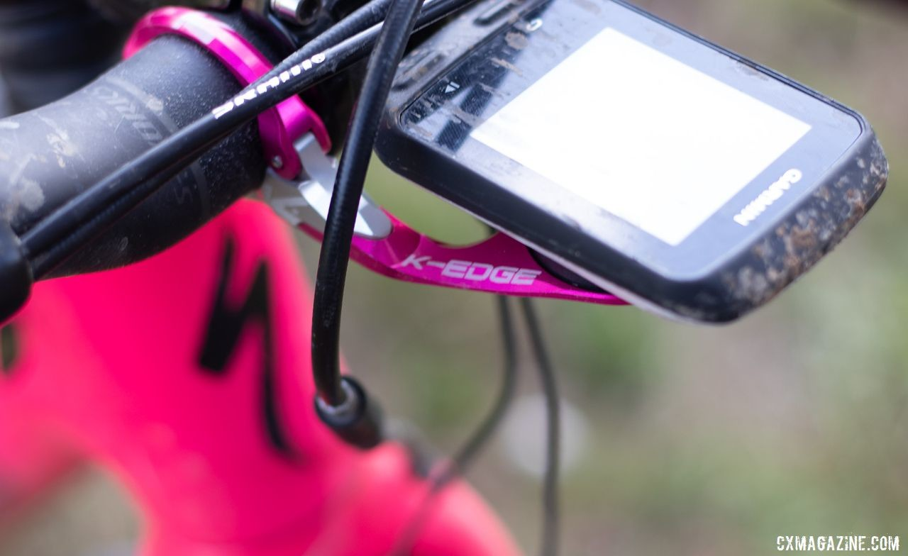 Sturm's eye watering color scheme continued in the pink anodized K-Edge computer mount. Sarah Sturm's 2019 Lost and Found Specialized Diverge gravel bike. © A. Yee / Cyclocross Magazine