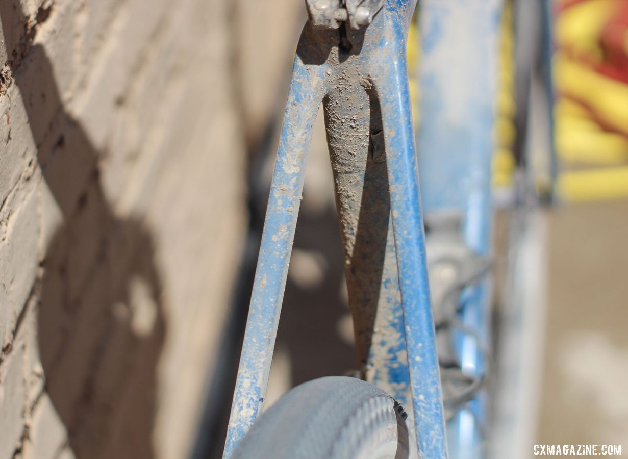 The rear seatstays on the Able are bridgeless, suggesting a race-oriented design. Colin Strickland's 2019 Dirty Kanza 200 Allied Able. © Z. Schuster / Cyclocross Magazine