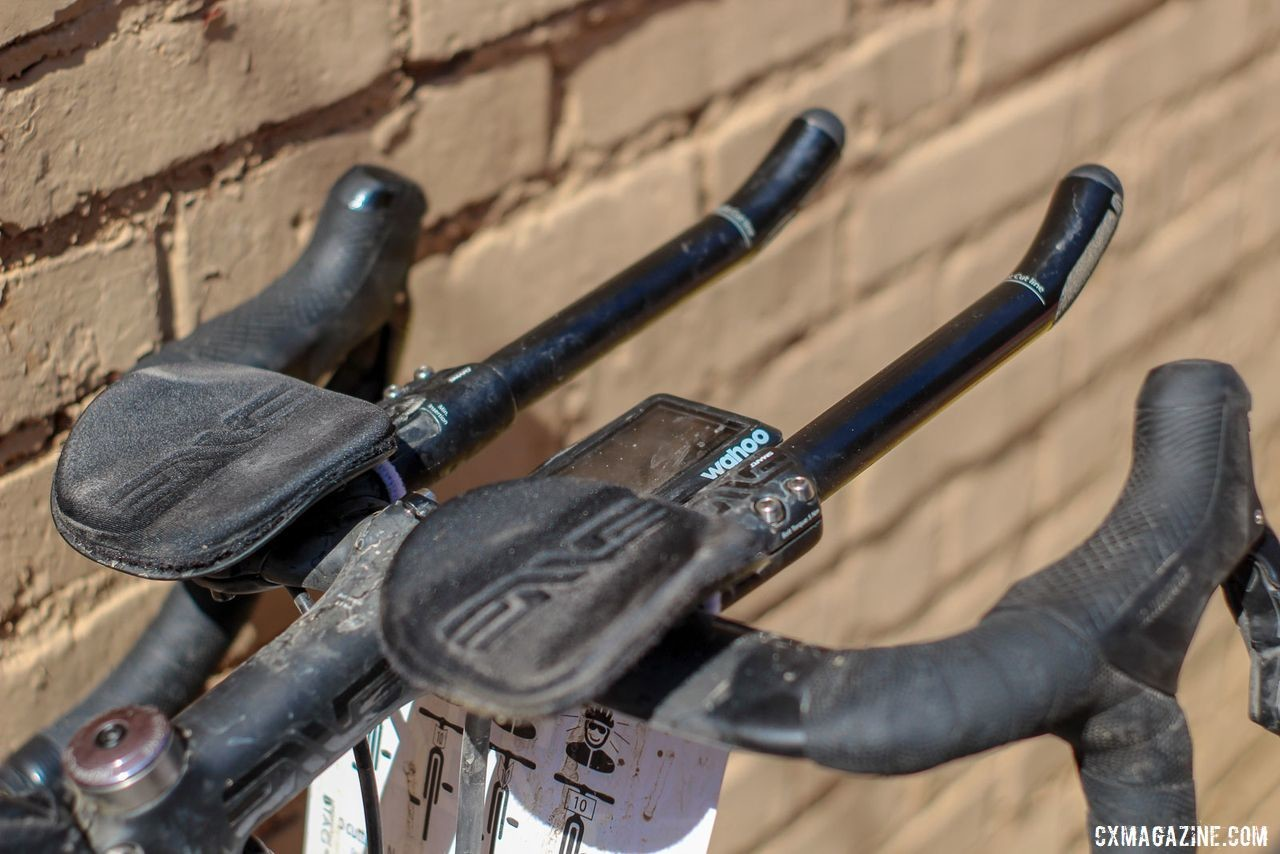 Strickland went aero with ENVE SES Aero Handlebar Clip-on bars. Colin Strickland's 2019 Dirty Kanza 200 Allied Able. © Z. Schuster / Cyclocross Magazine
