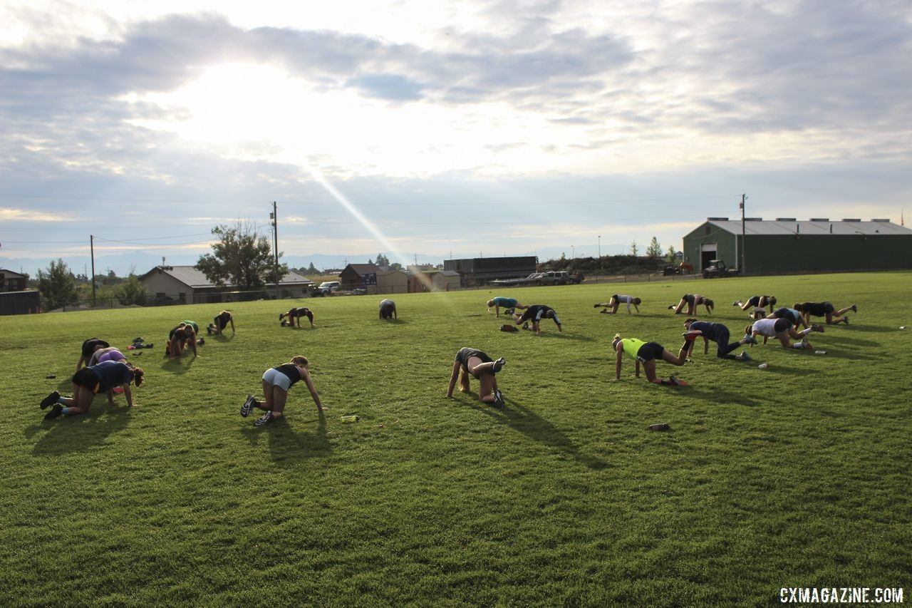 Athletes circle up for 12 sets of Buns of Steel exercises. 2019 Women's MontanaCrossCamp, Wednesday AM. © Z. Schuster / Cyclocross Magazine