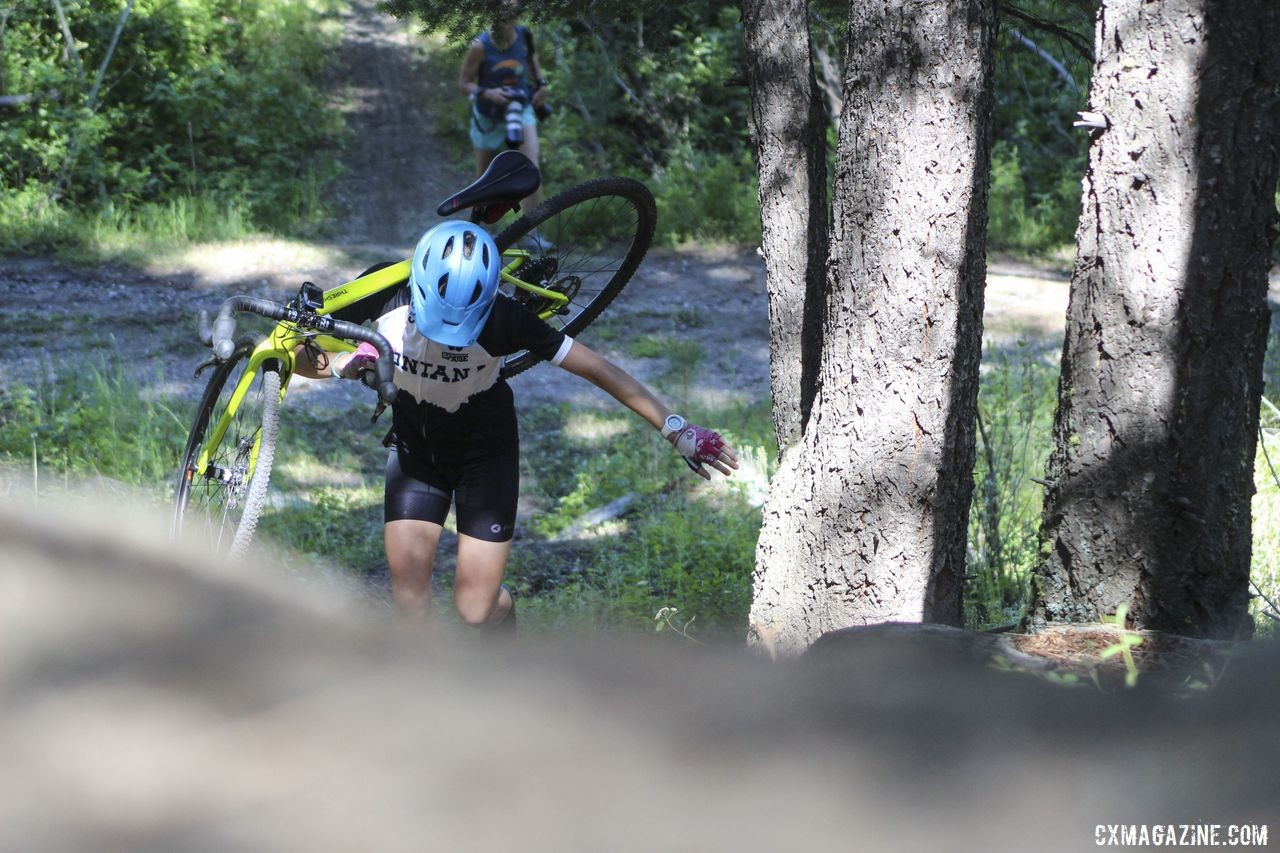 Learning to dismount and carry momentum is an important skill you can work on with your Sven Hill. 2019 Women's MontanaCrossCamp, Friday. © Z. Schuster / Cyclocross Magazine