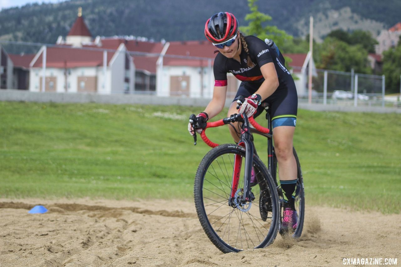 Callah Robinson rips the sand during the final on-the-bike session at camp. 2019 Women's MontanaCrossCamp. © Z. Schuster / Cyclocross Magazine