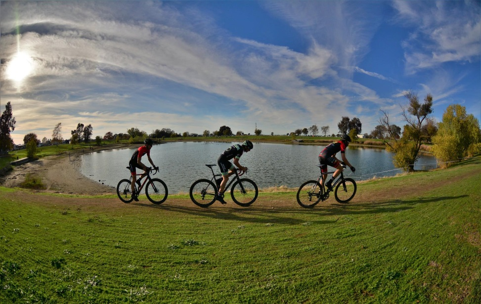Riders will get the chance to chanse USAC points at the West Coast CX Points Prestige. photo: Clipped in Races