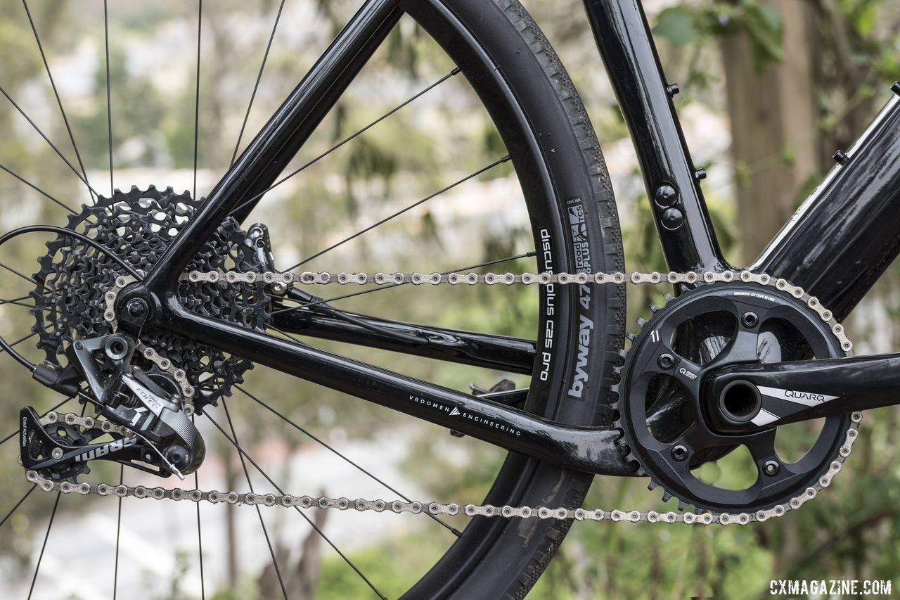 The Exploro features a dropped drive-side chainstay to provide extra tire clearance with the short chainstays. 3T Exploro Team Force Gravel Bike. © C. Lee / Cyclocross Magazine