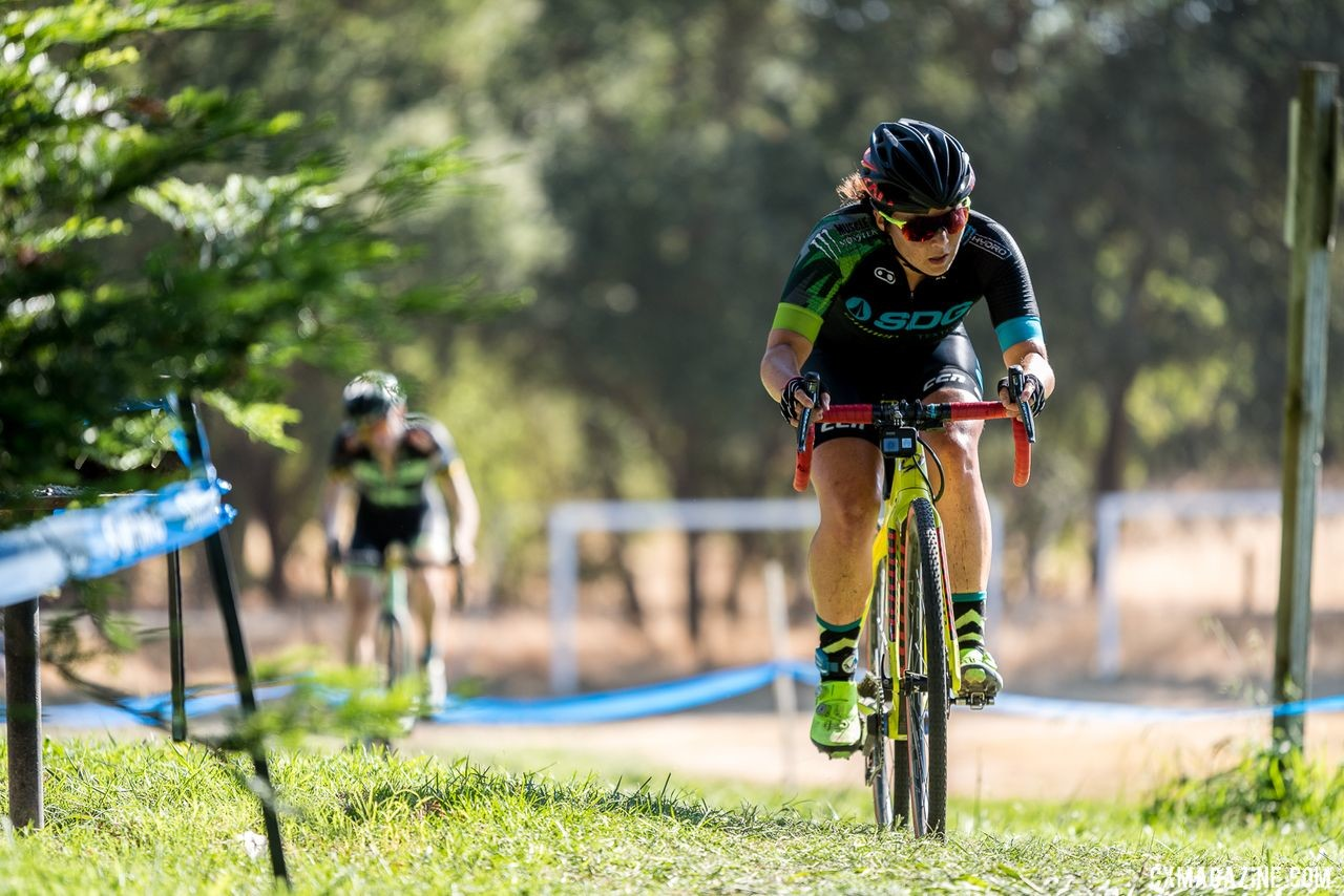 Amanda Nauman is one of the many pros that showed up to get early season West Coast USAC points. 2019 West Coast Cyclocross Points Prestige. © Jeff Vander Stucken