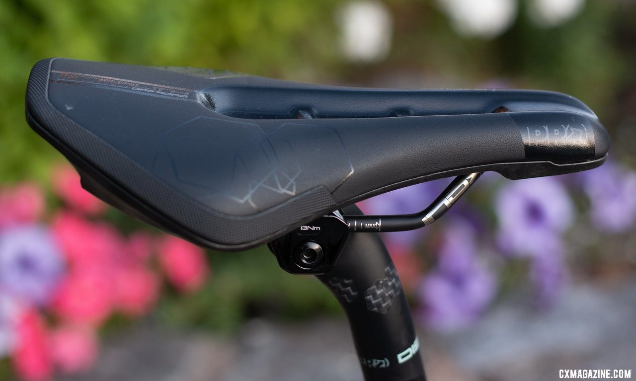 The ne wPRO offroad version of the Stealth saddle uses stainless steel rails, dual density paddings, a closed cut-out and armored rear edge. © A. Yee / Cyclocross Magazine
