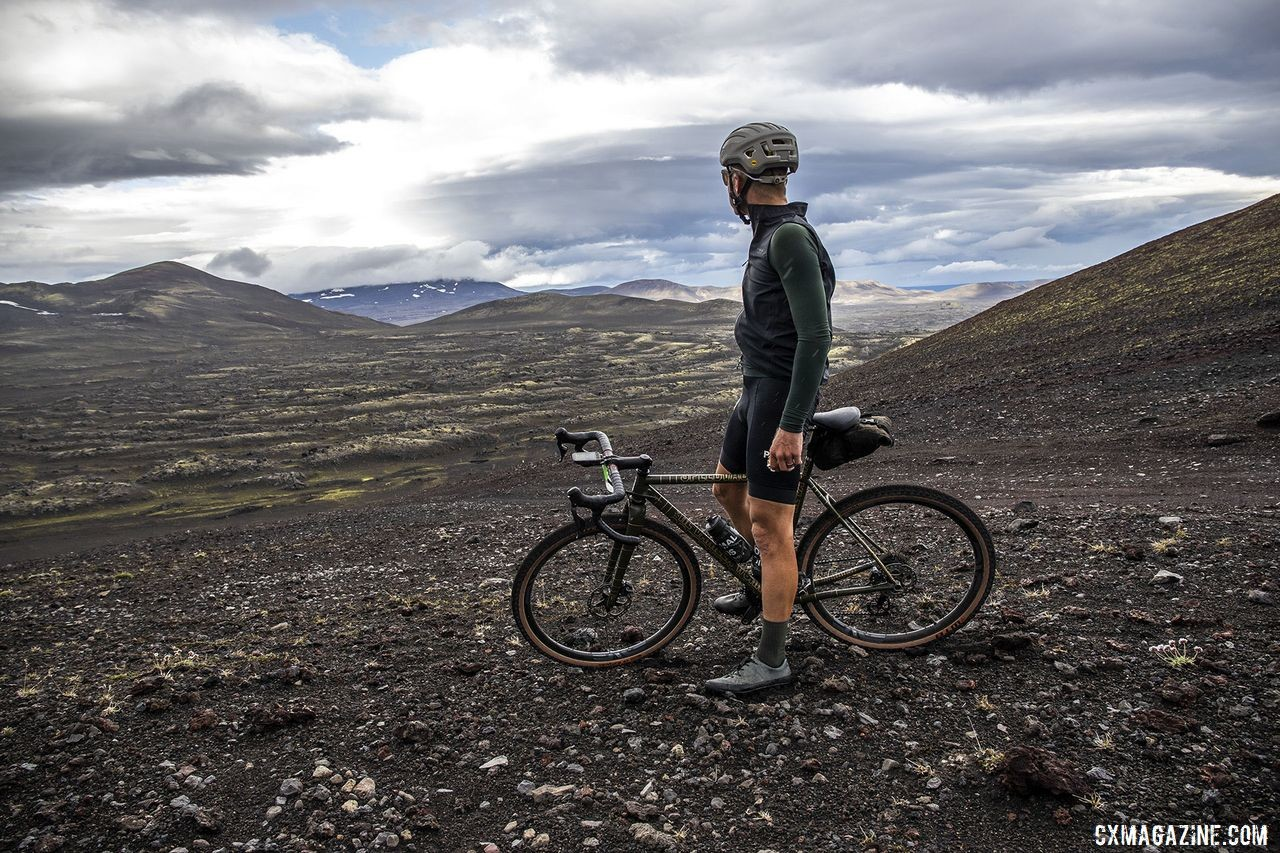 Stopping to enjoy the views was totally allowed. The Rift Gravel Race 2019, Iceland. © Snorri Thor / Lauf