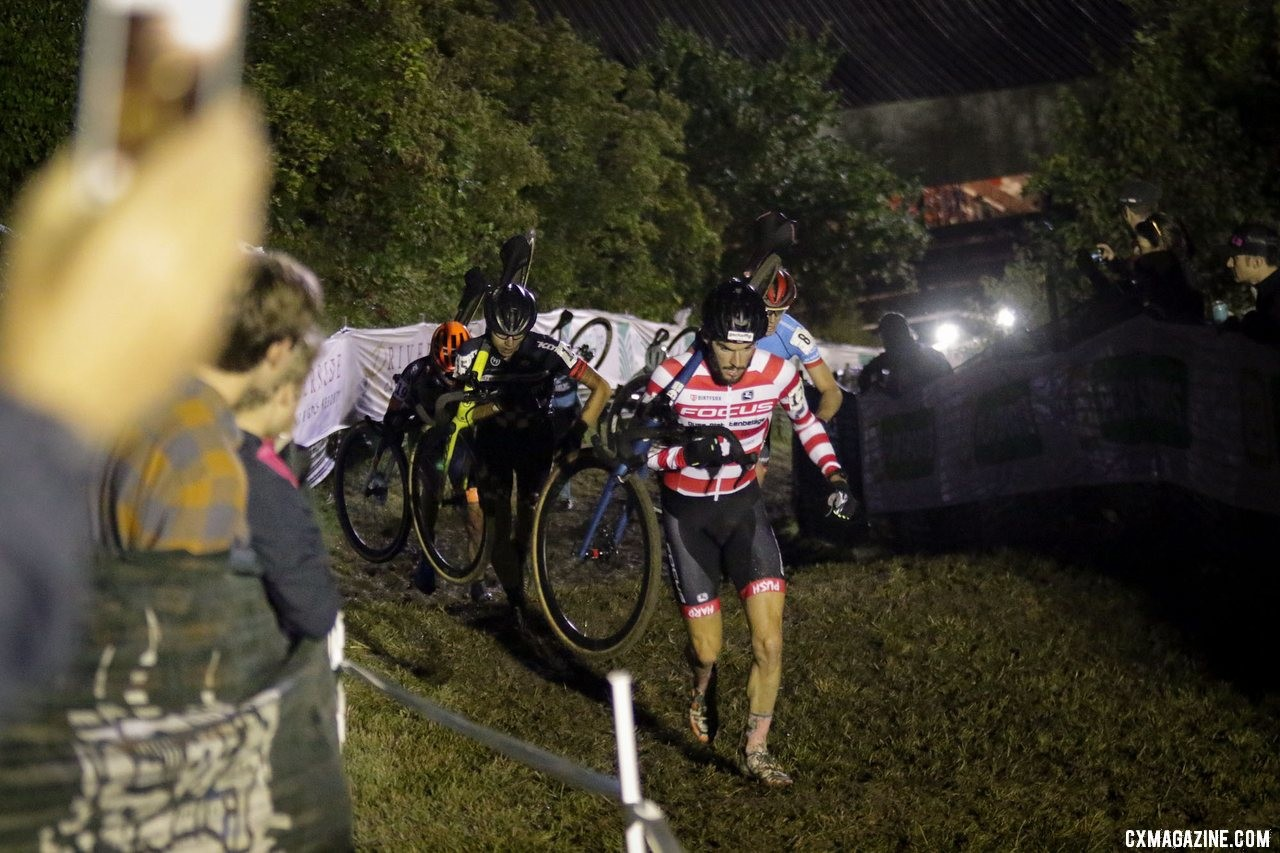 Winterberg scales Mt. Krumpit. 2019 Jingle Cross Friday Night Elite Men. © D. Mable / Cyclocross Magazine