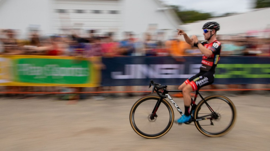 Eli Iserbyt wins the 2019 Jingle Cross UCI Cyclocross World Cup. © A. Yee / Cyclocross Magazine