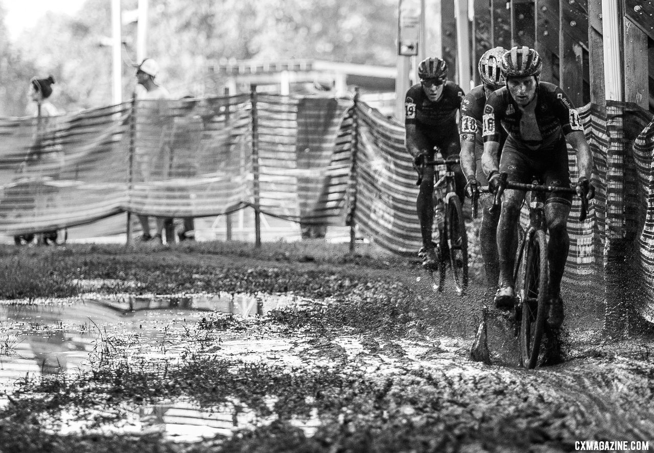 Jim Aernouts leads the chase of Vermeersch. 2019 Jingle Cross Sunday UCI C1, Elite Men. © A. Yee / Cyclocross Magazine