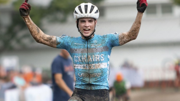 Andrew Strohmeyer won the Junior Men's race on Sunday at Jingle Cross. © A. Yee / Cyclocross Magazine