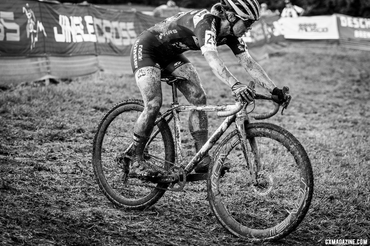 On Sunday, Nolan battled mud and asthma to a top-20 finish. 2019 Jingle Cross. © A. Yee / Cyclocross Magazine