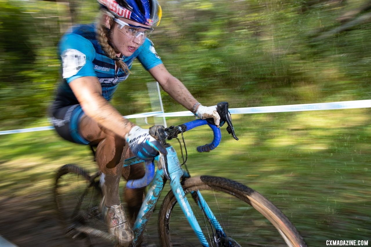 Evie Richards climbed had another fast start and kept at it, finished 3rd. 2019 Jingle Cross Sunday UCI C1, Elite Women. © A. Yee / Cyclocross Magazine