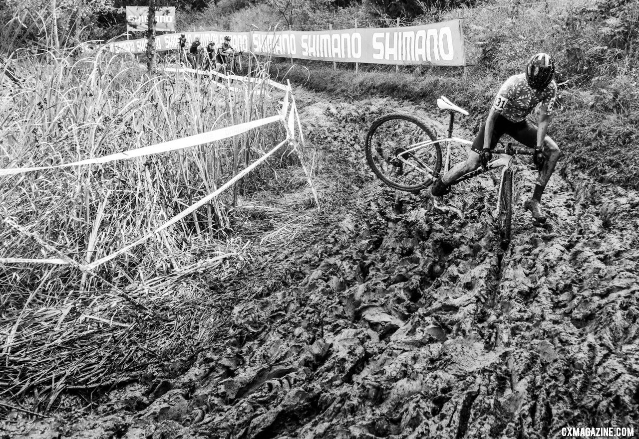 The Holly Jolly Hellhole lived up to its name on Sunday. 2019 Jingle Cross Sunday UCI C1, Elite Women. © D. Mable / Cyclocross Magazine