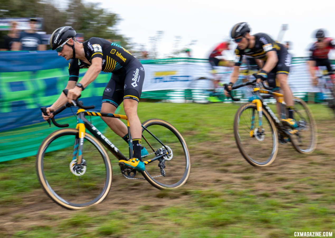 Corne van Kessel leads the chase. 2019 Jingle Cross World Cup, Elite Men. © A. Yee / Cyclocross Magazine