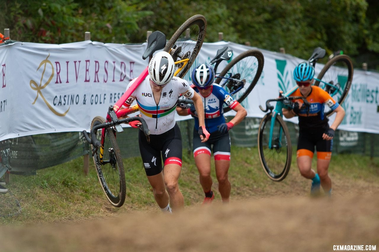 Rochette, Nash and Honsinger in control midway through the race. 2019 Jingle Cross World Cup. Elite Women. © A. Yee / Cyclocross Magazine